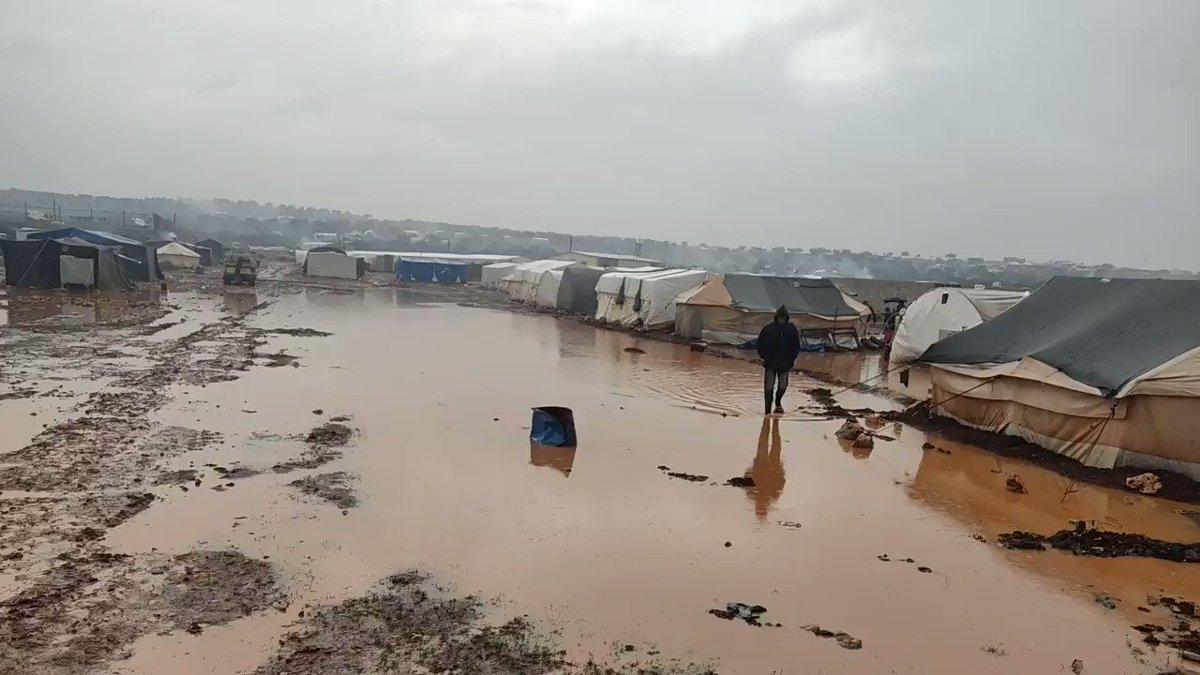 #مباشر  غرق المخميات في بلدة  كفرعروق شمالي #إدلب