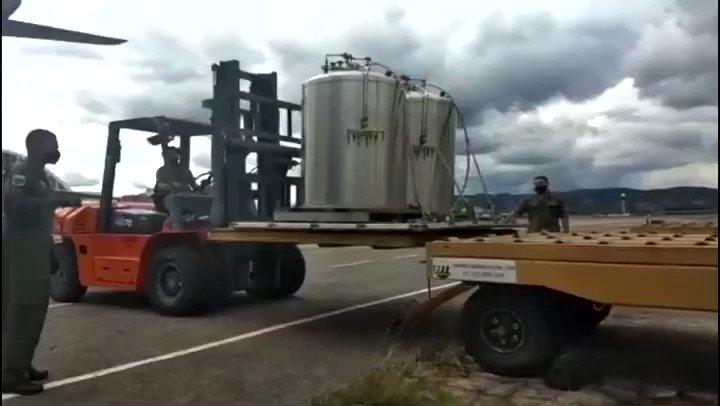 -Na tarde de (16/01), um KC-390 decolou às 17h09 de Guarulhos/SP com destino a Manaus/AM, transportando mais 5 tanques de oxigênio líquido. Na noite do dia (16/01), a aeronave pousou às 19h40 no destino e descarregando o equipamento.   -Mais informações nas postagens anteriores!