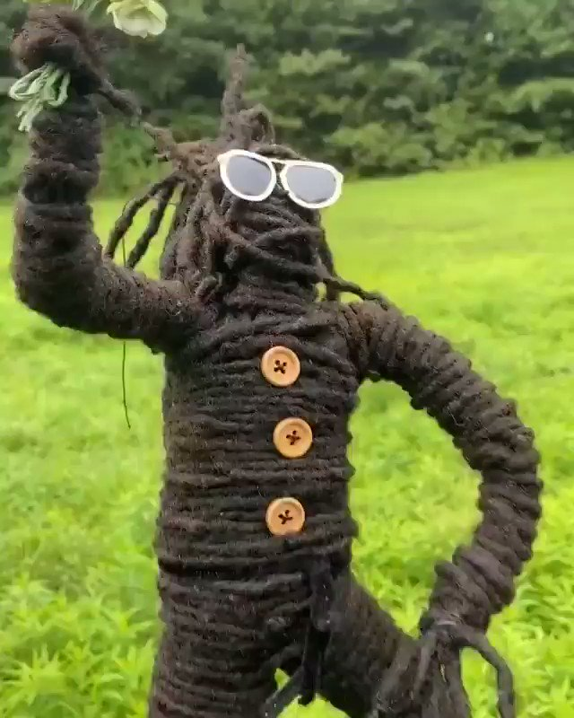 This dreaded nigga turned his dreads into a dreaded nigga with dreads 😳