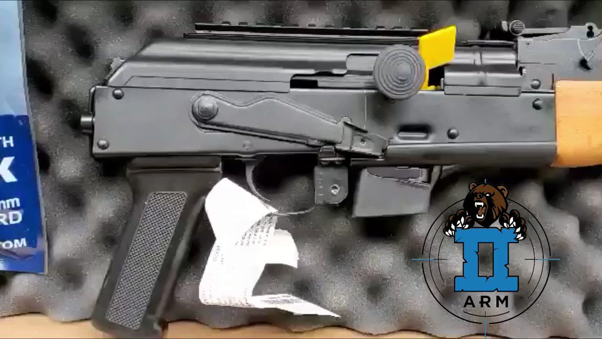 🐻 Draco Nak9 takes Glock magazines & comes w/ 33rd magazine. Head over to the site to grab it .. Why not  right ?? 🐻  #firearmstraining #concealedcarrynation #veteranowned #firearms #thegunlife #dailybadass #bear2arm #minidraco #akpistol #draco #centuryarms #nak9