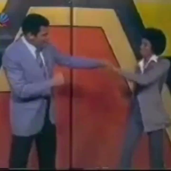 (1977) Muhammad Ali shadow boxing with an 18-year-old Michael Jackson!  An all time great clip. 🐐