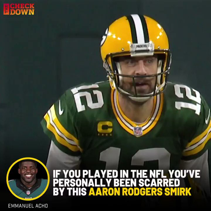 Imagine lining up on defense and seeing Rodgers smiling back at you 😂😳 @AaronRodgers12 @EmmanuelAcho @packers