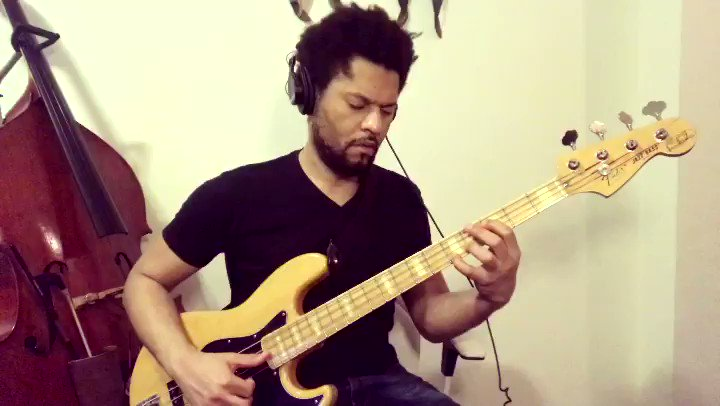 Nothing but #SaturdayNight vibes w/ this #BassLine by the great #LouisJohnson!  #Day13 #100BassLines #GetOnTheFloor #OffTheWall #ThunderThumbs #Bass #SlapBass #Slap #SlappaDaBass #BassPlayer #ElectricBass #ElectricBassist #Fender #JazzBass #BaixoNatural #Disco #Soul #Funk #BAM