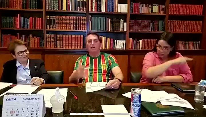 """""""Governador de SP, procura outro pra comprar a tua vacina"""". (Via @antoniotabet)"""