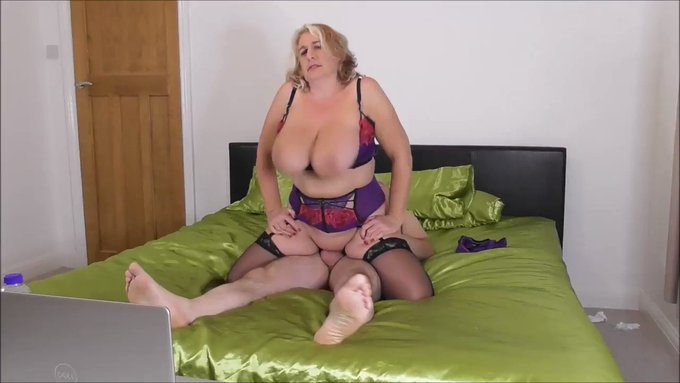 Just made another sale! Camilla and Mr Creampie do a camshow https://t.co/LNXixJ0Aiy #MVSales https://t
