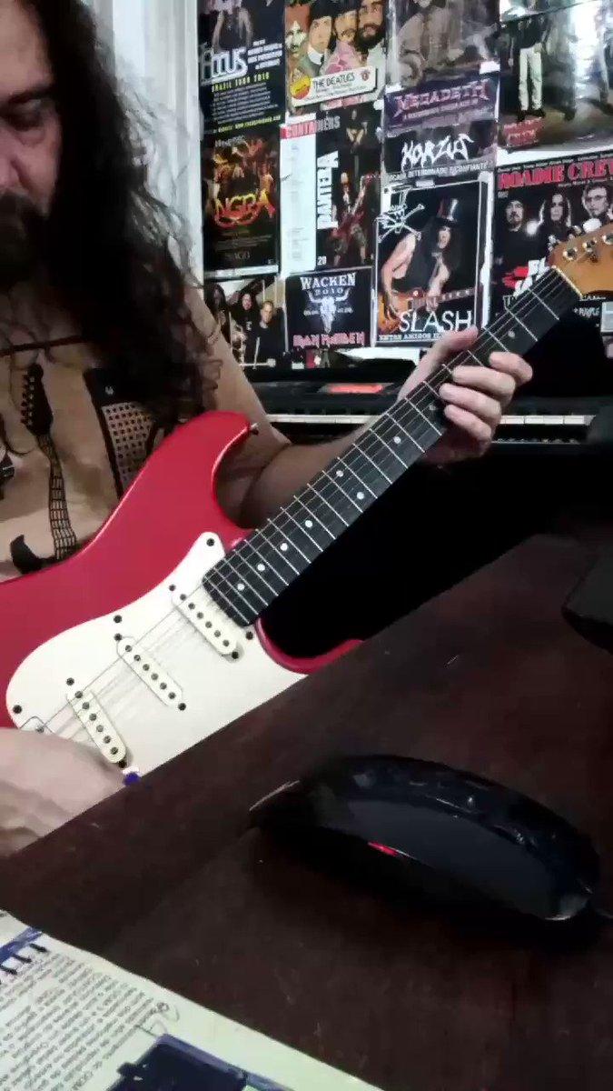 Il mio nome è Nessuno... 😎🤘👊 __ @Fender @JacksonGuitars @CharvelGuitars  #jasonbecker #guitarplayer #guitarist #봄처럼_따뜻한_인태현_2주년 #jebacpizgaczary #InterJuventus #Arpeggio #RockinEve #RockStar