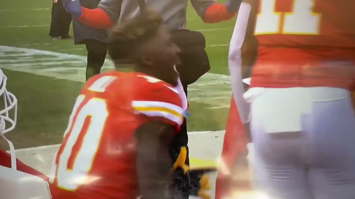Everyone can delete their Tyreek Hill tweets.   He and Coach Greg Lewis are tight.  Nothing to see here.