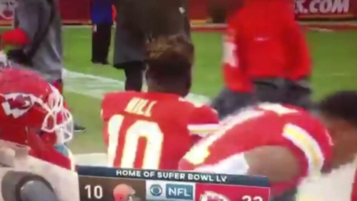 SLOW-MO shot of #TyreeHill pushing his coach  I had the opportunity to interview Tyreek Hill at the Super Bowl last year but I avoided him.    Seeing him shove his coach tells me I made the right decision  #NFLPlayoffs