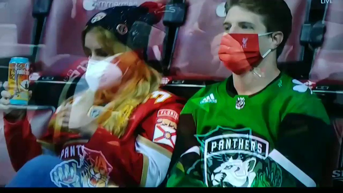 """WOW! Wake up other NHL hockey teams! The #FlaPanthers know what's going on. Fans are """"very safe"""". #COVID19 #Sportsnet #Canucks #LetsGoOilers #GoHabsGo #LeafsForever #NHLJets #Flames #Sens #TSN @ShansBoomstick @spittinchiclets @BarDown"""