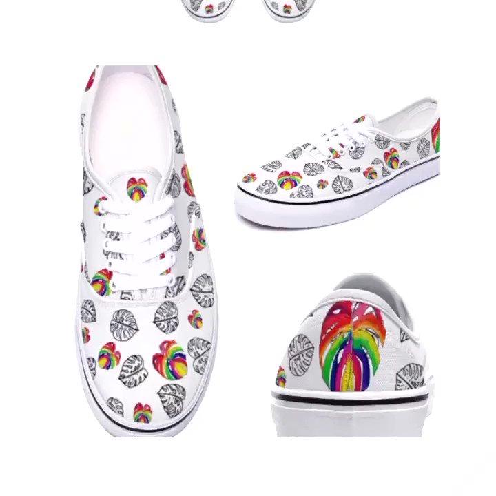 Moda zapatillas y decoración con colecciones única para un regalo perfecto de compra online #converse #convers #fashion #moda #sneakers #Motivacion #goodmorning #GoodVibes #gym #gymmotivation #vans #zapatillas #sport