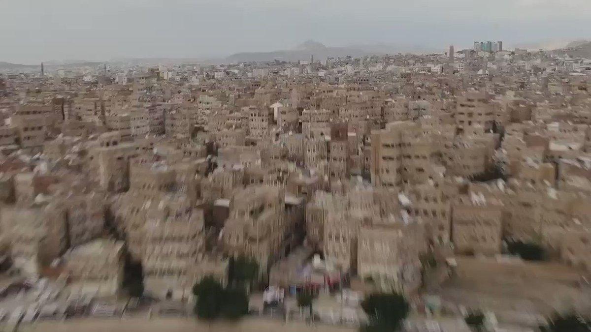 """ايماناً منا بأهمية دعم الانسان وعملاً على دعم أشقائنا في #اليمن بمجال التعليم والتوظيف وتوفير مسكن مناسب، نمشي قدماً بمشروعي """"بناء المستقبل للشباب اليمني"""" و """"المسكن الملائم"""" مع شركائنا  @EFE_Global @unhabitat @SaudiDRPY  #معاً_من_أجل_الاحسان #معاً_لدعم_اليمن"""