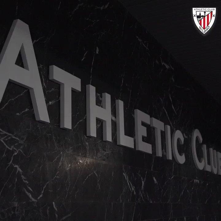 🆕 Nuevo edificio en Lezama 🏢  Después de ganar la #Supercopa, los leones han estrenado las nuevas instalaciones, donde ya preparan el partido de #CopaDelRey del próximo jueves (19:00h).  ⚔️ @ibizaud (1/16)   #AthleticClub 🦁