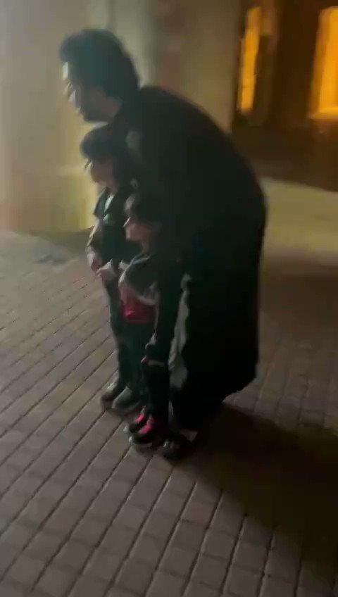 #فيديو لطيف لمعالي المستشار تركي آل الشيخ رئيس #هيئة_الترفيه برفقة أطفال من #قطر @Turki_alalshikh