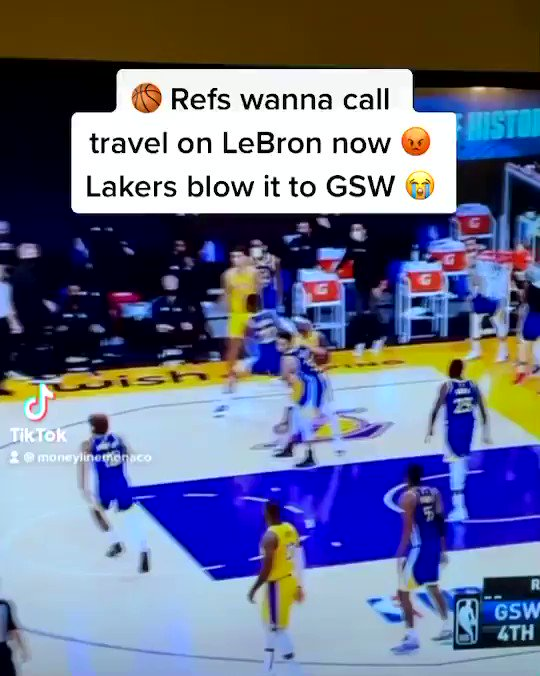 AD and LeBron bored already?! Warriors outscore the Lakers by 18 in the 2nd half there are no words for the Chiefs regular season syndrome where are the fans when you need em 😭🏀😭🏀 #GSWvsLAL #Lakers
