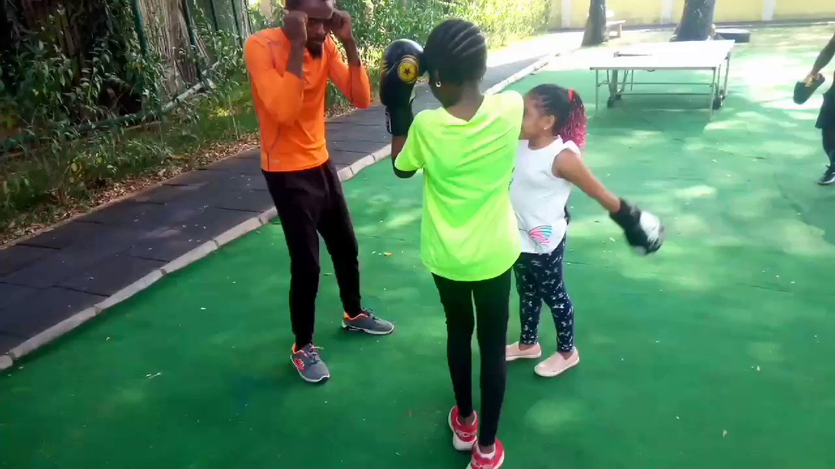 Engage your kids in boxing that would light up their mood and intuition.#boxing #BoxofficeMasterVIJAY #BoxingDay #boxingdayrugby #boxingday2020 #boxingnews #boxingdaytest #boxingstreams #workoutmotivation #workouts #workoutathome #Fitz #fitness #fitnessgirl #fitmom