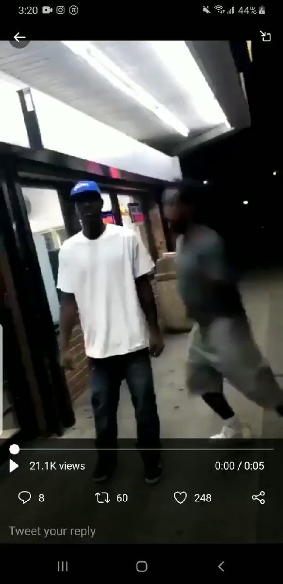 He said ima head out 🤣🤣😭 #fights #explore #viral #trending #repost #Fight #video @WORLDSTAR #funny #tuesdaymotivations #tuesdayvibe