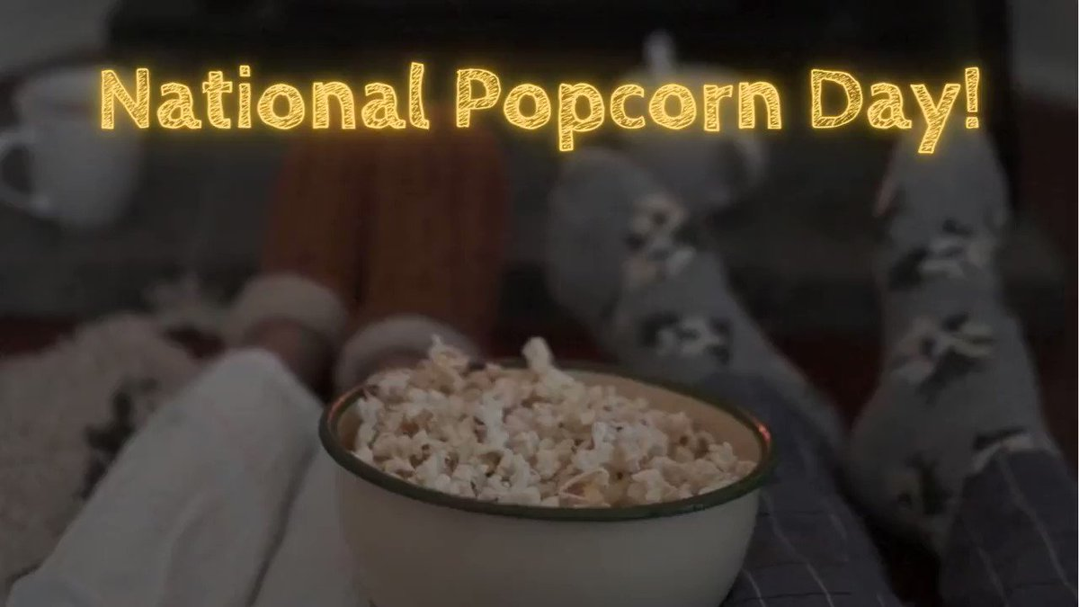 🍿 #DidYouKnow more than 17 BILLION quarts of #popcorn are eaten by Americans each year?!😲It's a crazy good #snack #Food 🤩Great for watching #movies😋Full of #healthy #nutrients & one of the world's best sources of #fiber💖  🥳 #NationalPopcornDay #Foodie