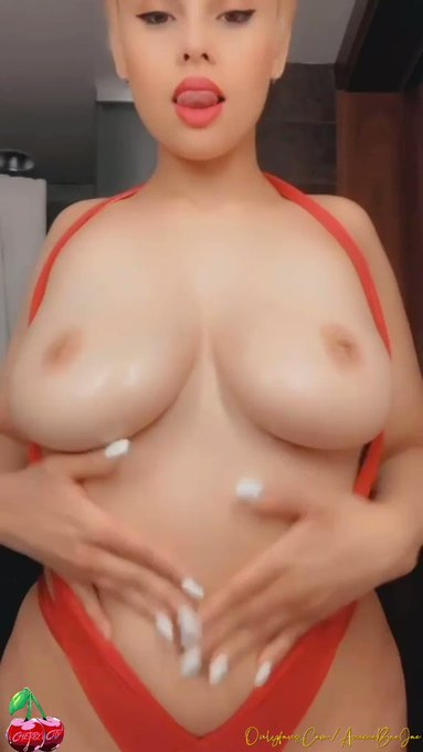 BOUNCY TITTY THREAD FOR #Tittytuesday ❤️🥰❤️ Drop you BOUNCY boobs/links below 💛 https://t.co/7fIZrf8