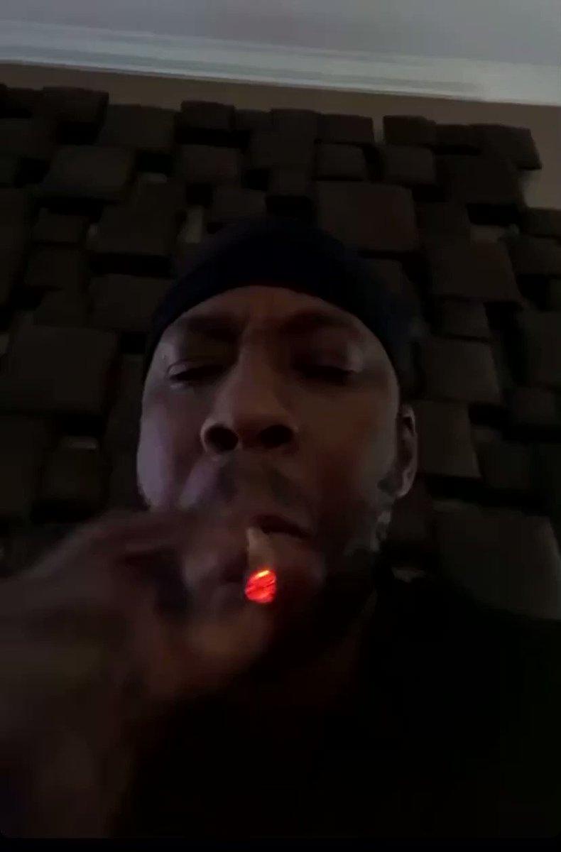 2 Chainz ain't smoking no mid 💨