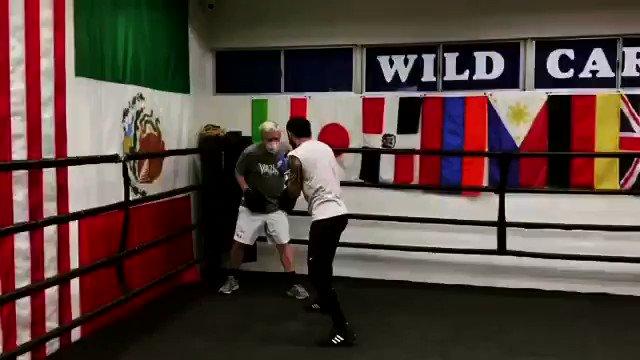 Solid work by Shavkat Rakhimov today ... February 13th fight date for the IBF Junior Lightweight Title against current title holder Joseph Diaz Jr @JosephDiazJr @GoldenBoyBoxing @DAZNBoxing #wildcardboxing #training #boxer #fighter #boxing @WildCardBoxing1 @WCBstore @KlimasBoxing