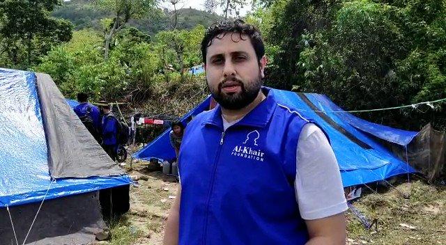 لليوم الثاني يواصل فريقنا العمل في منطقة الزلزال بجزيرة سولاويزي الإندونيسية، أنشأنا مخيم ⛺️إيواء بسرعة، وبدأنا تقديم الدعم الغذائي والصحي لهم. @AKFMiddleEast   تبرع أون لاين:   PayPal:  واتس: 00970597922881