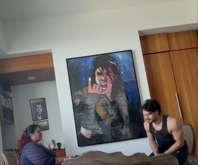 WATCH : Tiger Shroff shares a BTS video of how he prepared for his song Casanova. @iTIGERSHROFF @DishPatani #Throwback #BTSVideo #Casanova #TigerShroff #Bollywood