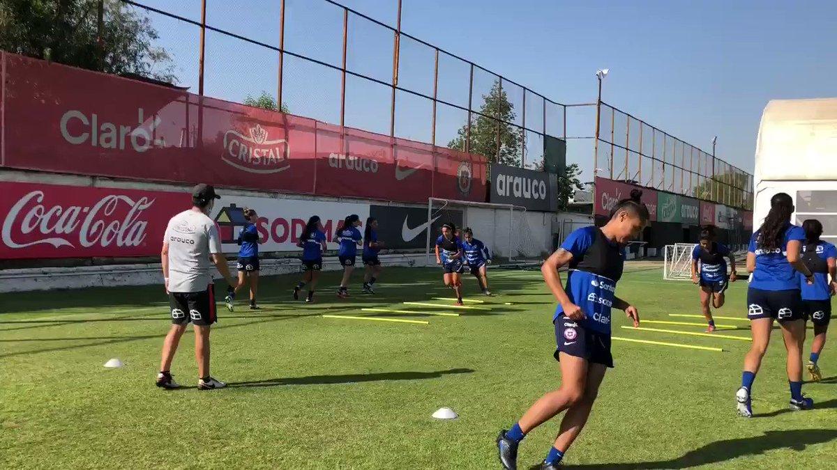 🤩 A seguir con la preparación para el repechaje olímpico frente a Camerún 🇨🇲   👊 Vamos #LaRojaFemenina 🇨🇱⚽️  #LaRoja #SelecciónChilena #Chile
