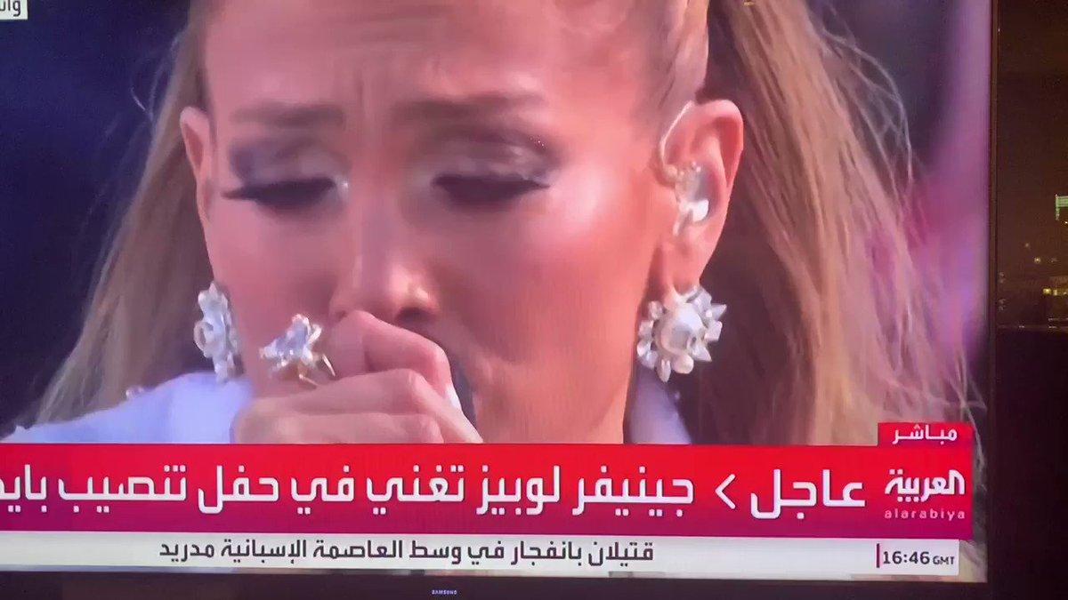 #جينيفر_لوبيز خلال حفل تنصيب بايدن. أناقة وحضور وصوت. #InaugurationDay  #JenniferLopez