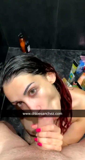 Je suce sous la douche 🧼   mate toute ma vie privée, mes vidéos et photos sans limite & sans censure