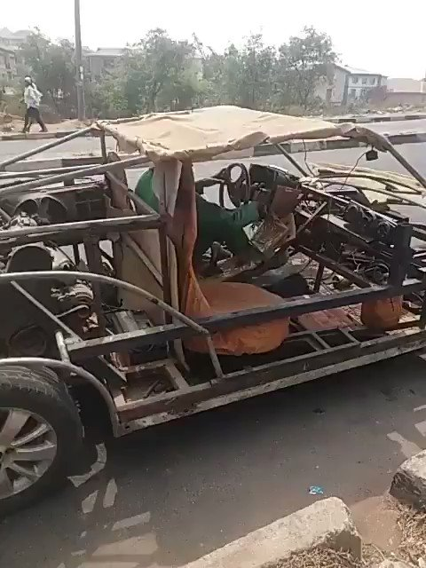 """@Tobbsticks: From #Ibadan Mr Michael Ibitoye made this car himself,pls lets retweet massvly #Nigerians_Are_Gifted @Gidi_Traffic"