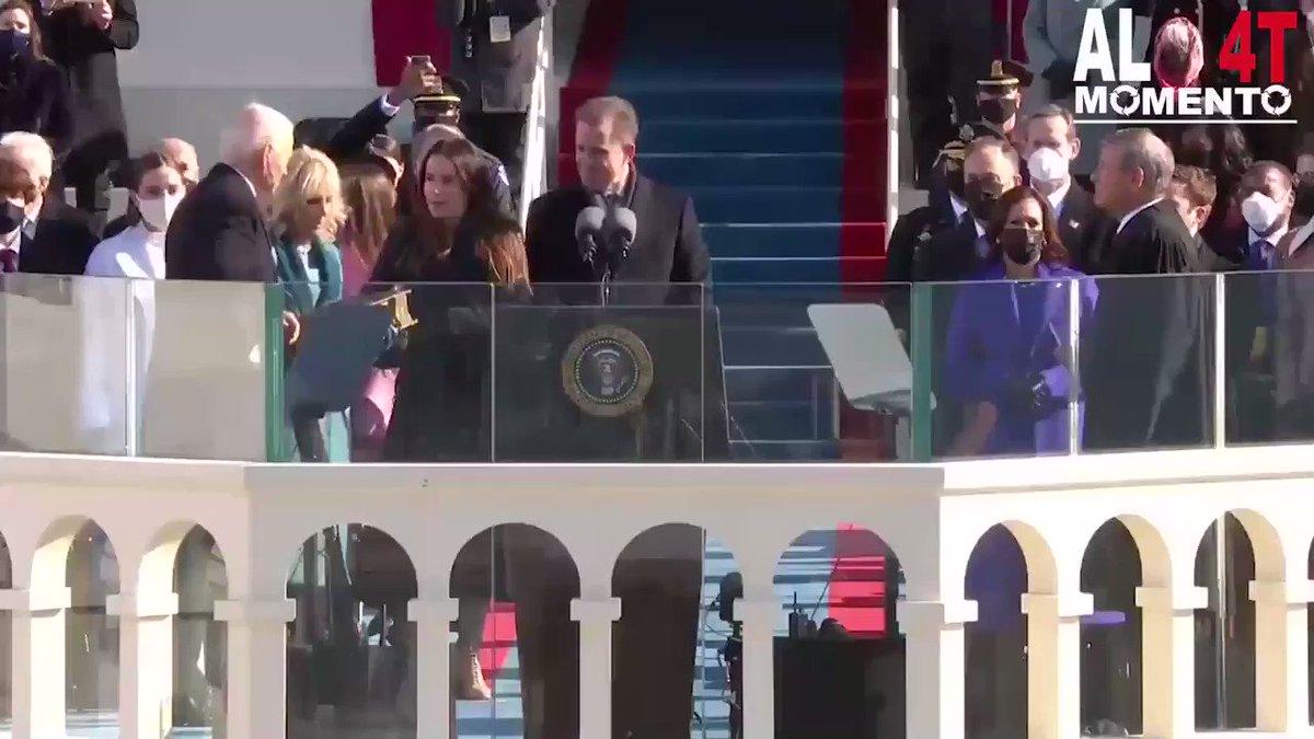 """⭕️ #ULTIMAHORA  @JoeBiden tomó protesta en #WashingtonDC como presidente de #EUA. """"La democracia ha ganado"""", expuso en su discurso inaugural a las puertas del #Capitolio. Biden se convierte en el mandatario #46 en la historia de este país.   #InaugurationDay #JoeBidenInauguration"""