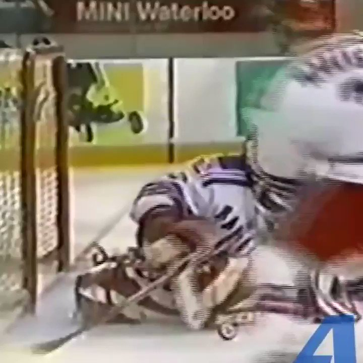#WayBackWednesday OHL Obie drops Clarkson with a bomb 💣 and asks him if he wants another when they're in the penalty box   @MissinCurfew @ShaneOBrien55