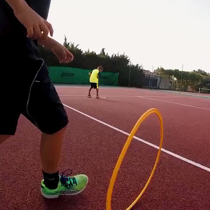 I still practice the same footwork drills with the pro players that I am currently training.😌💪🎾  #tennis #footworkdrills #footworkspeed #footworkagility #tennisworkout #tennisdrills