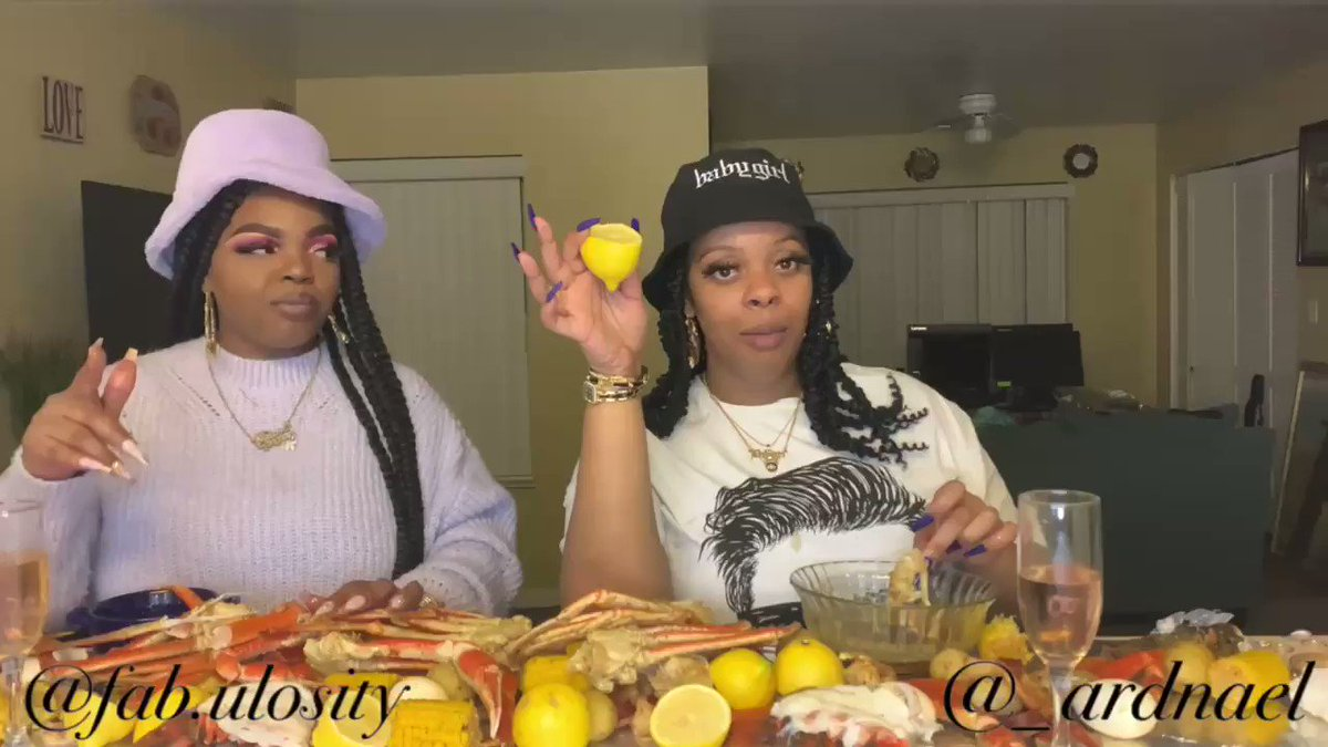 10lbs SEAFOOD BOIL MUKBANG!!! New vlog 🆙 Go like,comment,SUBSCRIBE! #smallyoutubersupport #smallyoutubechannel #blog #unity #author #ASMR #mukbang #BlackGirlMagic #TrumpsLastDay