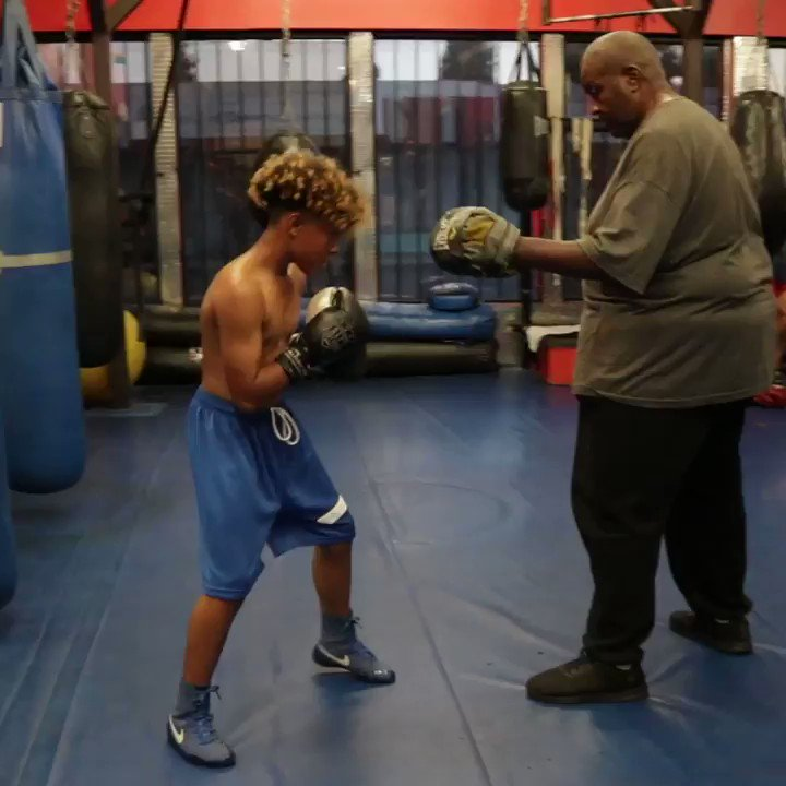 Running the mitts  @papabearboxingcoach 🥊 @proboxingequipment   #papabearboxingcoach #fitness #speed #mitts #fast #2fast #motivation #workout #sports #proboxing #future #boxing #mentor #fighter #jaiden2fast #j2f #fastmediainc