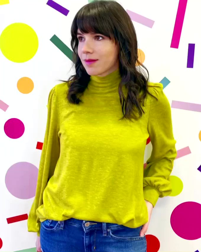 🌞Today Is A Good Day🇺🇸🌈💚  #primas #cousins #top #longsleeve #turtleneck #buttons #detail #chartreuse #boutiqueshopping #giftshop #gifts #boutique #wednesday #week #smallbusiness #shopsmall #memphis #womenownedbusiness #bossbabe #choose901 #ilovememphis