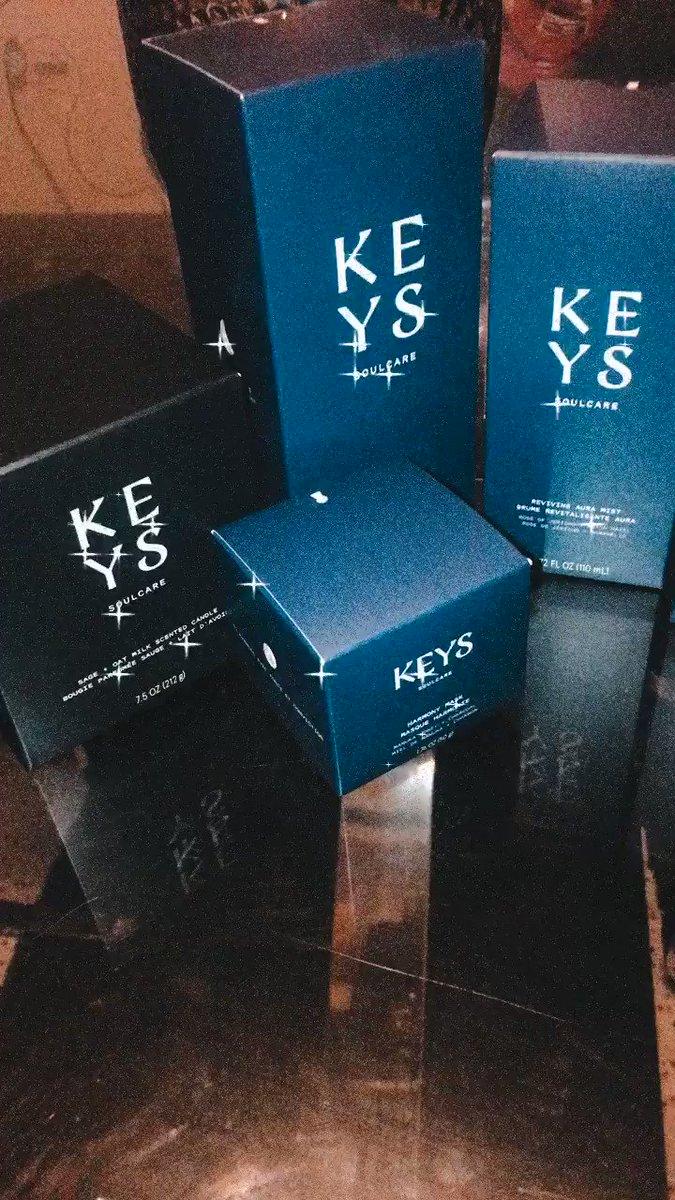 I have all my offerings @keyssoulcare  🖤💜 @aliciakeys