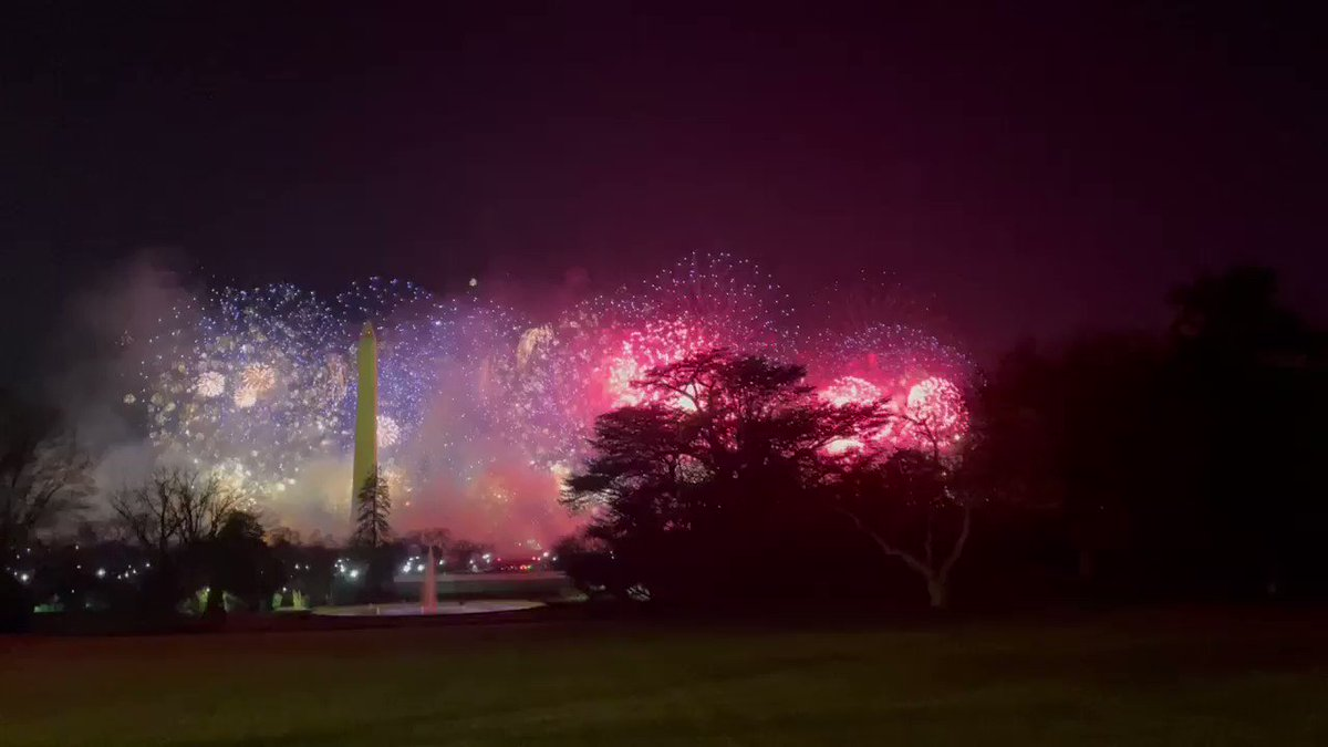 Replying to @jeneps: The Inauguration Day firework finale from the South Lawn. The Bidens and family had a similar view.