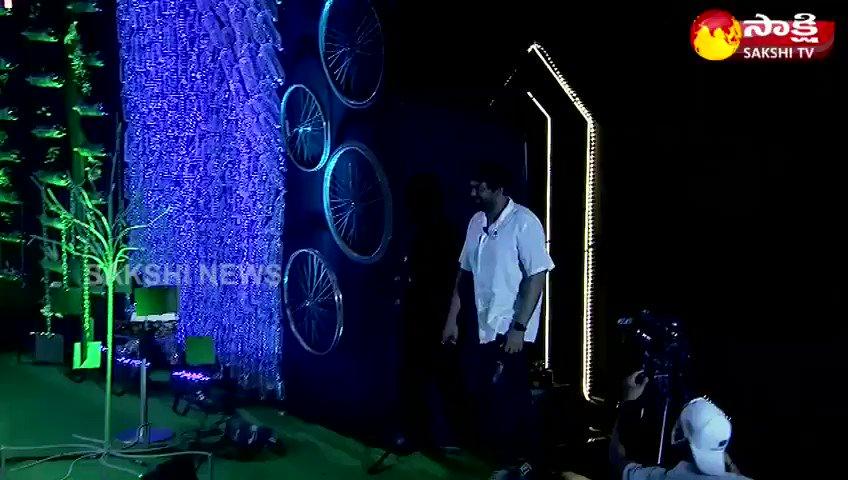 """పచ్చదనాన్ని పెంచి, పర్యావరణాన్ని రక్షించడం కోసం వివిధ వర్గాలకు చెందిన ప్రముఖులతో @SakshiHDTV ఆధ్వర్యంలో చేపట్టిన  """"పుడమి సాక్షిగా"""" మేము సైతం గోప్ప కార్యక్రమం... జనవరి 26 మధ్యాహ్నం 3 గంటల నుండి... #GreenIndiaChallenge @KTRTRS @MPsantoshtrs"""