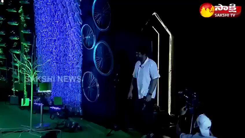 """పచ్చదనాన్ని పెంచి, పర్యావరణాన్ని రక్షించడం కోసం వివిధ వర్గాలకు చెందిన ప్రముఖులతో @SakshiHDTV ఆధ్వర్యంలో చేపట్టిన  """"పుడమి సాక్షిగా"""" మేము సైతం గోప్ప కార్యక్రమం... జనవరి 26 మధ్యాహ్నం 3 గంటల నుండి... #GreenIndiaChallenge   @KTRTRS @MPsantoshtrs @RaoKavitha @BTR_KTR  @MedayRajeev"""
