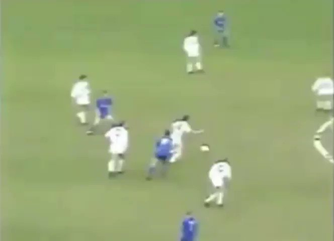 Lookback   Chelsea 3 - 3 Luton Town 1991  Goals-  Chelsea- @graemelesaux14 ⚽ Graham Stuart ⚽ @denniswise ⚽  Luton- Lars Elstrup ⚽ Sean Farrell ⚽ Kingsley Black ⚽  @FrankMSinclair and Andy Myers debuts  #CFC #KTBFFH #CAREFREE
