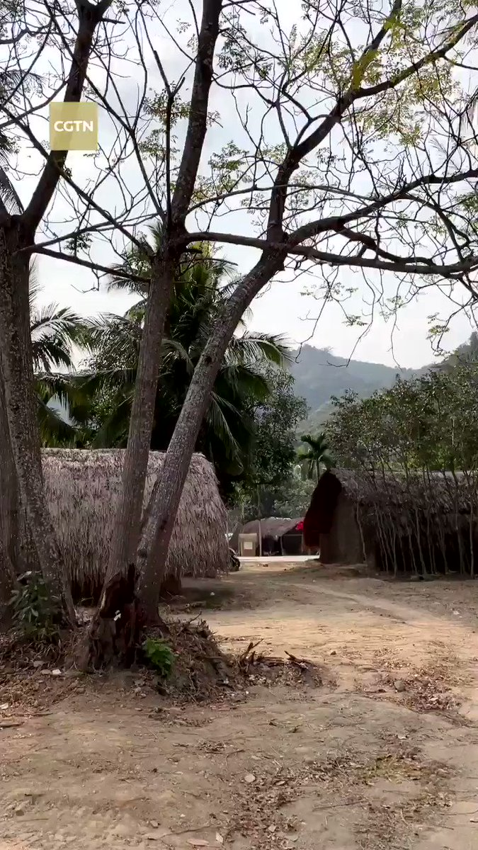 Baicha boat house, the last ancient village of the Li people. #GoHainan #GoChina!  #VoiceOfFriendship #DostiFM98 #Pakistan #China @CathayPak @WangXianfeng8 @DanyalGilani