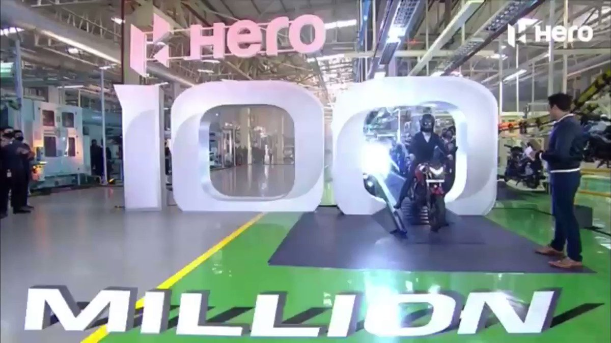 #Hero MotoCorp rolled out its 100 millionth motorcycle out of the assembly line, #Haridwar facility in front of Pawan Munjal,CMD, #HeroMotoCorp and #ShahrukhKhan @iamsrk,to celebrated this milestone 6 special editions have been bikes were unveiled @HeroMotoCorp #MakeInIndia #SRK