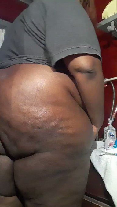 Dem Fatty Cakes Up Close! 🍑 https://t.co/bHQzSjkOnq