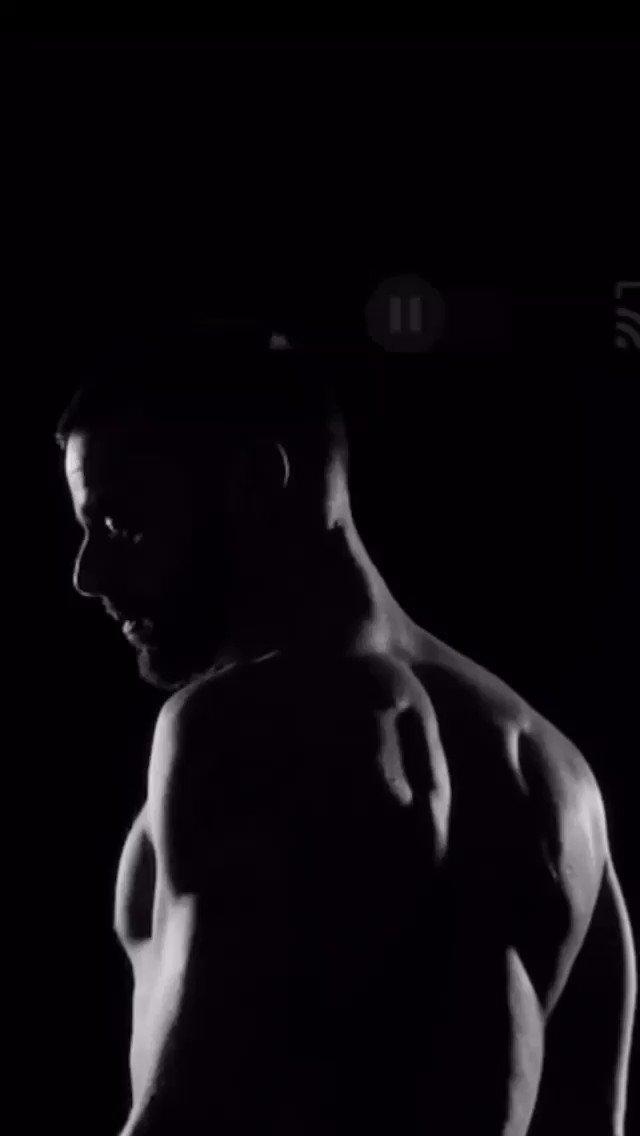Ya  vieron el vídeo lyric de #Simple de @ricky_martin junto  a @theofficialsting #Pausa #RickyMartin #JpusBrasil💕 @RMwebteam