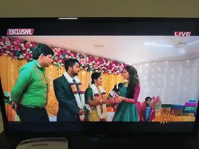 #PuliMangaPulip video song from @iamsanthanam's #ParrisJeyaraj on @SunMusic ! If you missed it, watch it right now 🔛   #HBDSanthanam   A @Music_Santhosh Musical🎶  #JohnsonK #LarkStudios  @Kumarkarupannan @ArthurWisonA @iamsandy_off #AnaikaSoti @Sastika_R