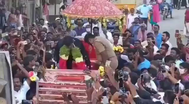 Swagat nahi karoge ? This is India. Here cricket is not just a game. It is so much more. Natarajan getting a grand welcome upon his arrival at his Chinnappampatti village in Salem district. What an incredible story. #Cricket