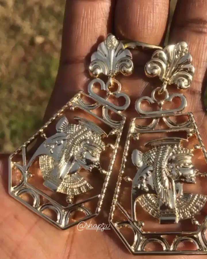 It's the vintage look for me 🥰😍Nubian Queen Earrings   Tag a friend,sharing is caring   #nubianqueen #cuteaccessories #jewelry #blackowned #blackownedbusiness #statementpieces #nefertiti #thursdaymorning #blackbusiness #vintageearrings #vintagepieces #styleinspo #shopthelook