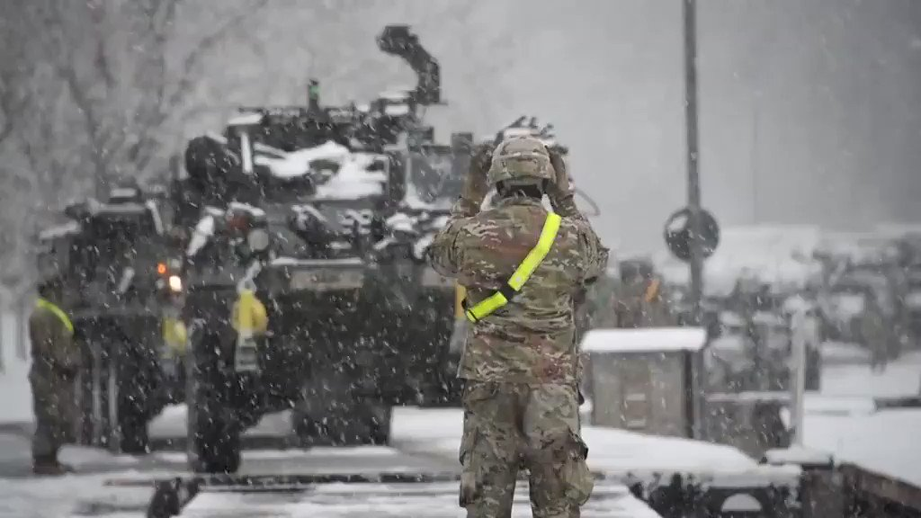 @USArmy Soldiers assigned to 1st Squadron, 2d Cavalry Regiment conduct railhead operations at Rose Barracks, Vilseck, Germany, and will assume responsibility for the @NATO's enhanced Forward Presence Battle Group-Poland in 2021. #TogetherWeDeliver #thursdaymorning