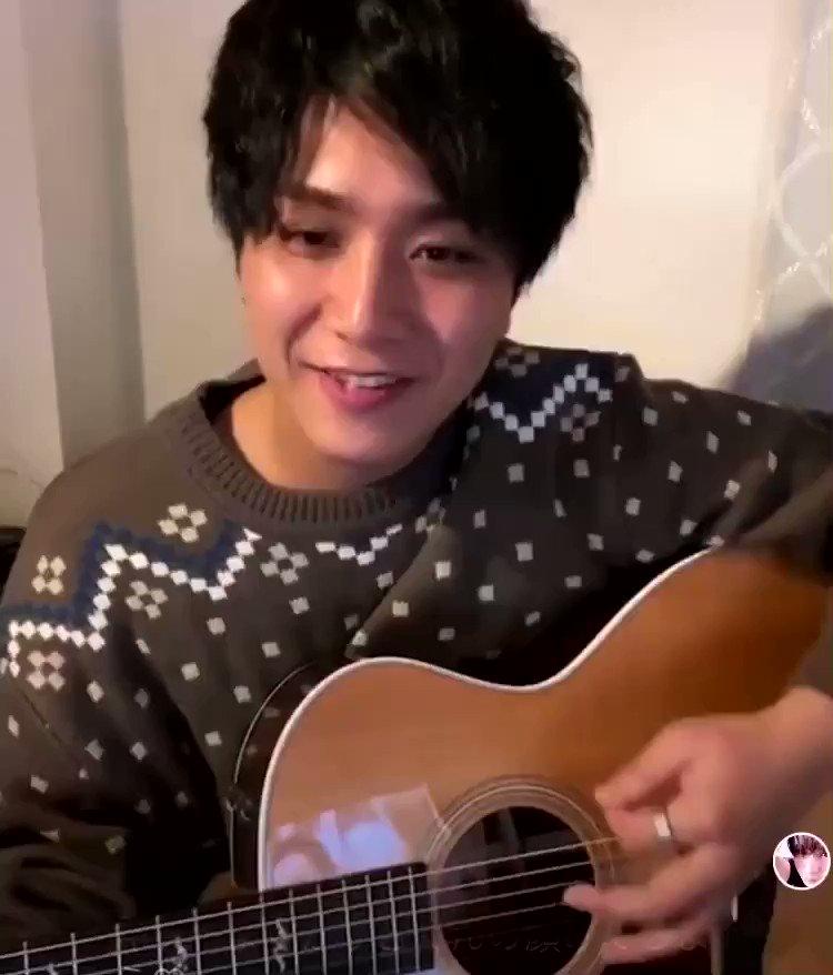 かっこいいな♡  最後のギタータンタンの所好き🤭❤️  #ANFiNY #KAZUKI @KAZUKI_ANFiNY  #ギター #笑顔 #素敵 #Lifegoeson #平井大